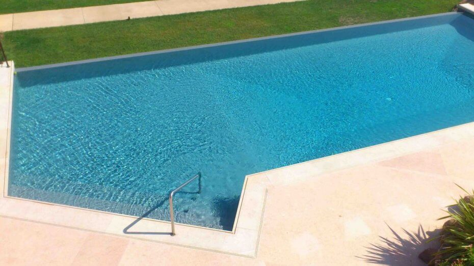 Carrelage design joint carrelage mapei moderne design for Joint carrelage piscine
