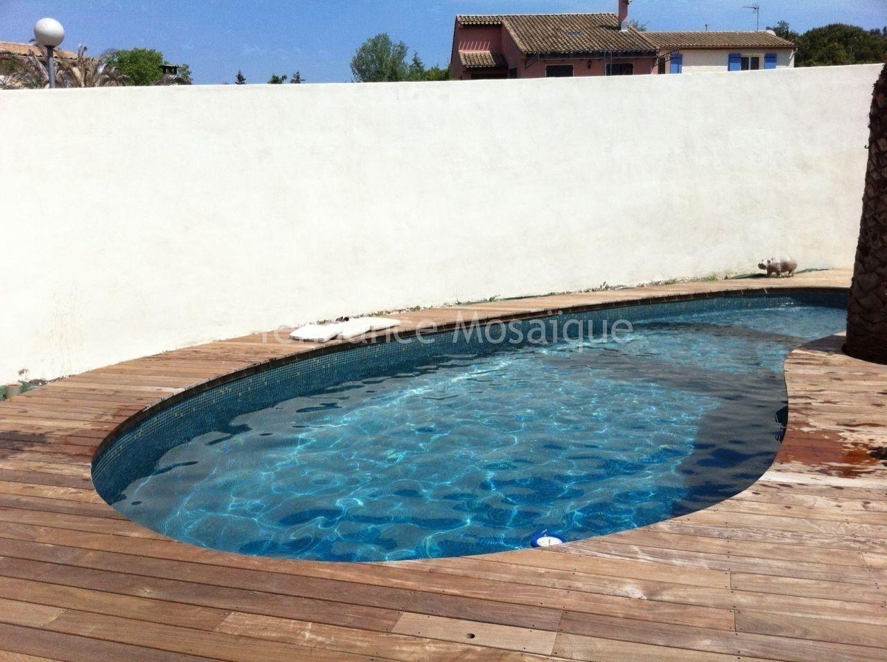 Piscine p te de verre dolce mosaic r f rence delia bleu jaune - Carrelage piscine pate de verre ...