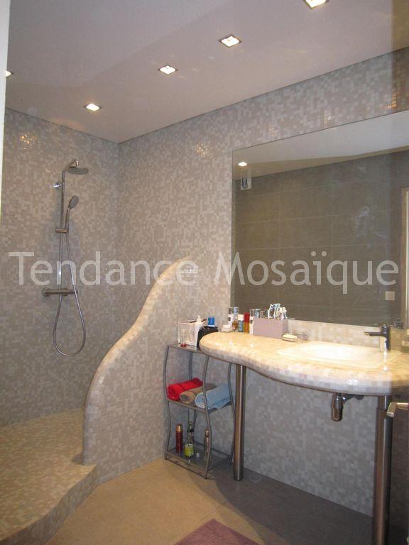 Carrelage pate de verre salle de bain 20170825080411 for Pate de verre salle de bain
