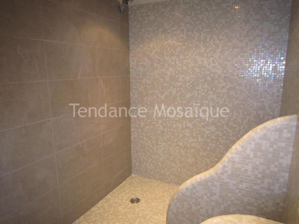 salle de bain p te de verre bisazza laura joint epoxy. Black Bedroom Furniture Sets. Home Design Ideas