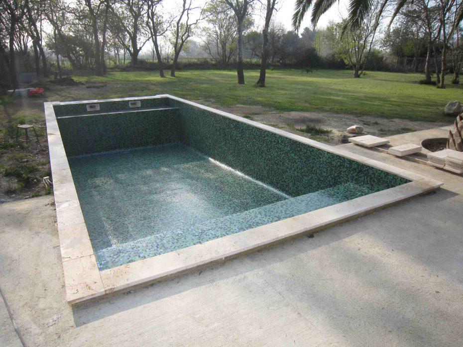Piscine p te de verre dolce mosaic mosaique vert profond for Joint epoxy piscine