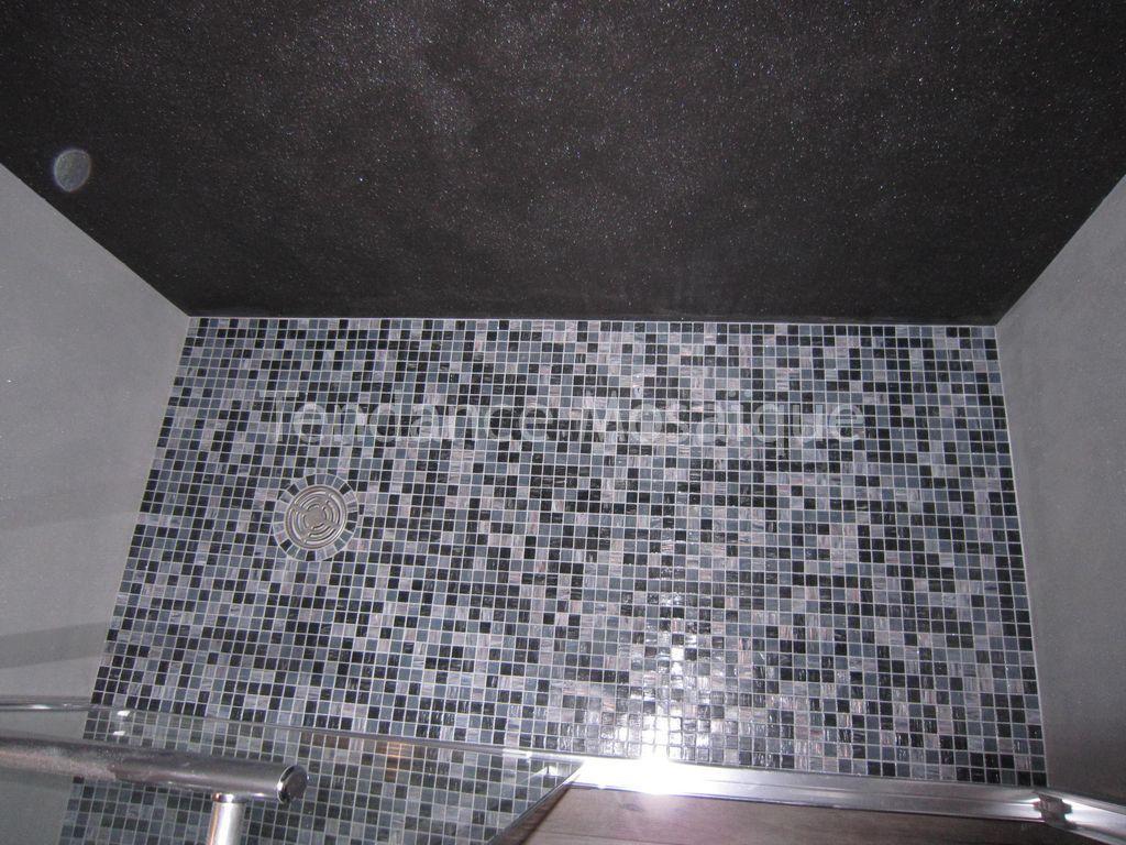 Douche l 39 italienne pate de verre bisazza avec d cor starlike for Pate de verre salle de bain