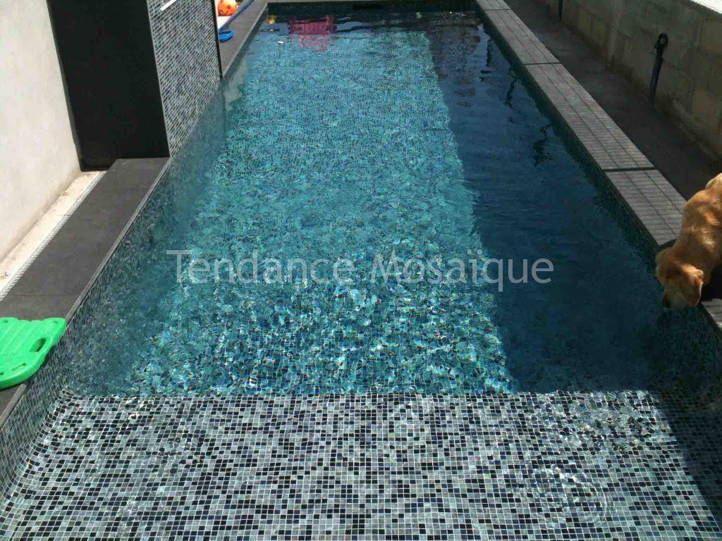 Carrelage piscine p te de verre dolce mosaic perla nera for Joint carrelage piscine