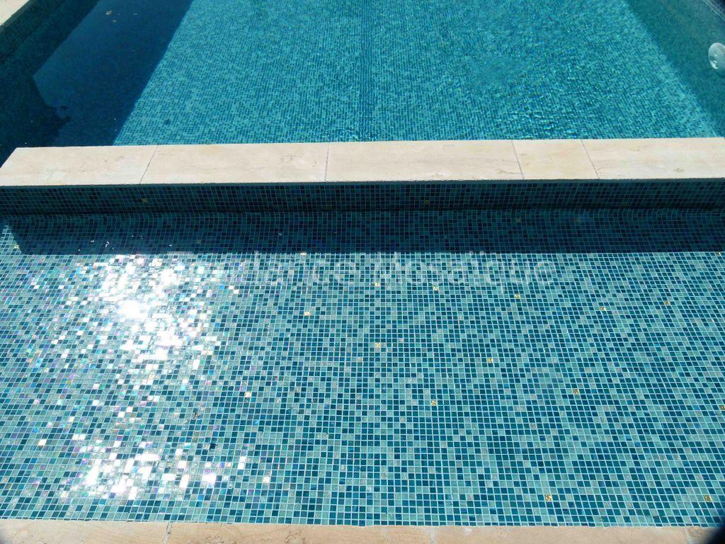 Piscine p te de verre dolce mosaic olivia bleu - Pate de verre piscine ...