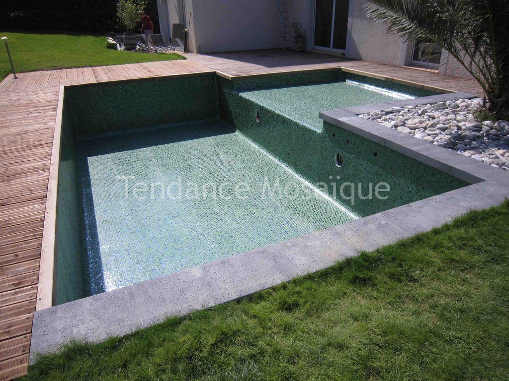 Quelles techniques pour poser du carrelage de piscine for Pret pour piscine
