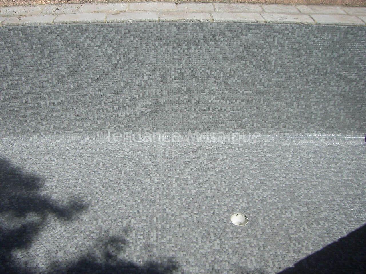 Pose joint epoxy sur mosaique de piscine ezarri kheops for Pose de mosaique de verre