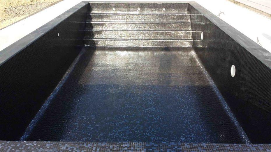 Piscine mosa que p te de verre dolce mosaic elena noir m tal - Pate de verre pour piscine ...