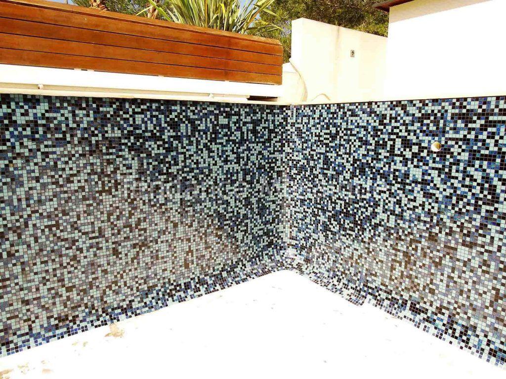 Comment Enlever Colle Carrelage Sur Dalle comment enlever le calcaire sur du carrelage de piscine ?