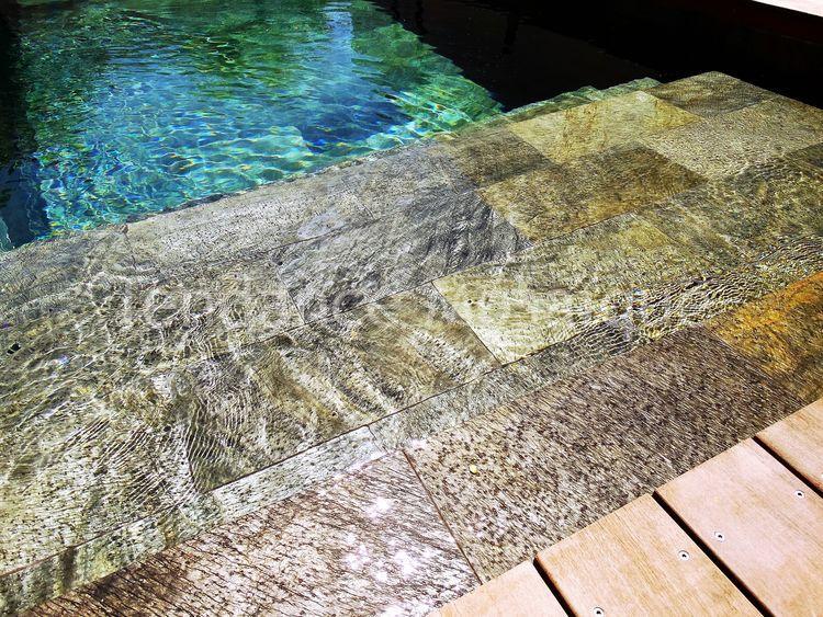 pierre naturelle pour terrasse piscine