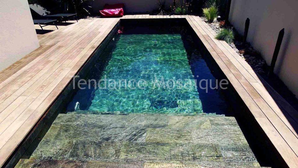 margelle pierre naturelle pour piscine